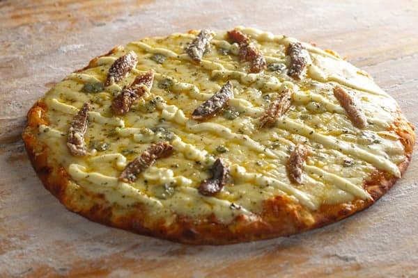 Pizza Cinco Queijos com Enchovas